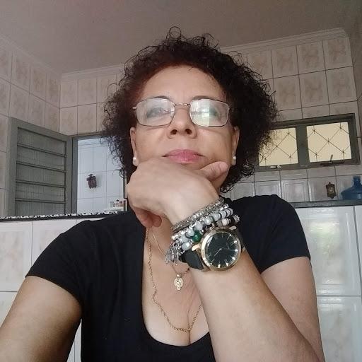 Angela Vaz7